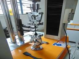 橡胶拉力强度试验机特点以及注意事项